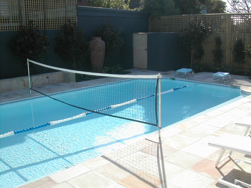 Aquatic play pool volley ball setting